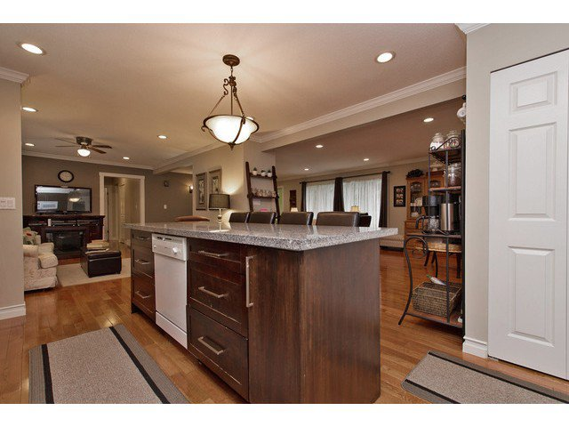 Photo 10: Photos: 2377 BEVAN Crescent in Abbotsford: Abbotsford West House for sale : MLS®# F1438355