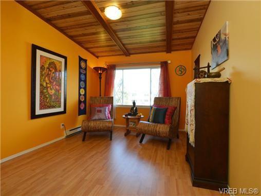 Photo 12: Photos: 1416 Tovido Lane in VICTORIA: Vi Mayfair House for sale (Victoria)  : MLS®# 725047
