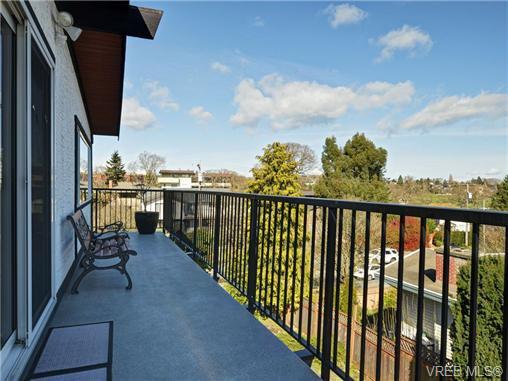 Photo 16: Photos: 1416 Tovido Lane in VICTORIA: Vi Mayfair House for sale (Victoria)  : MLS®# 725047