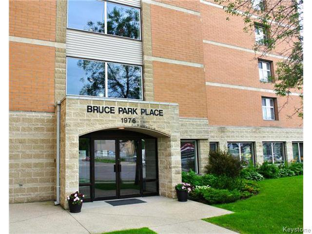 Main Photo: 1976 Portage Avenue in Winnipeg: St James Condominium for sale (West Winnipeg)  : MLS®# 1618995
