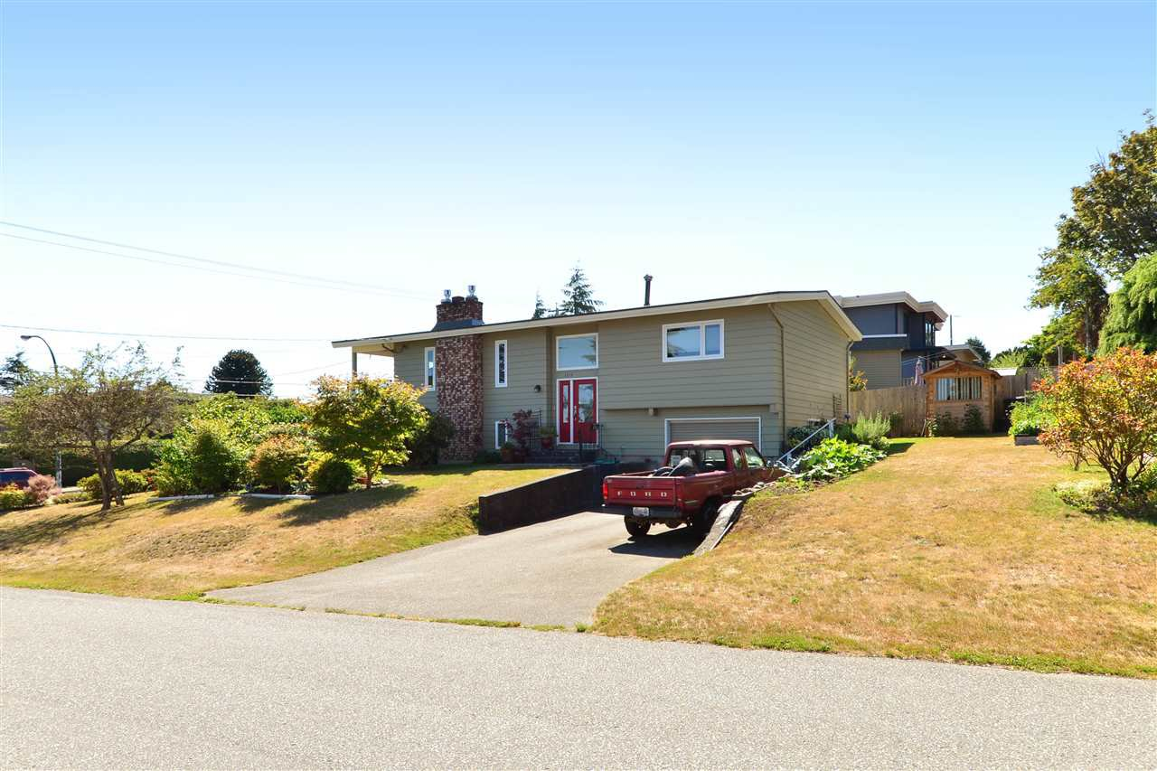 Main Photo: 1215 PARKER Street: White Rock House for sale (South Surrey White Rock)  : MLS®# R2097862