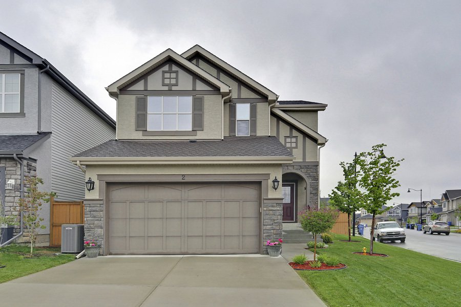 Main Photo: 2 Aspen Hills Manor SW in Calgary: House for sale : MLS®# C3622296