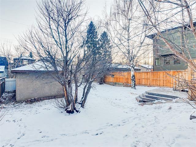 Photo 35: Photos: 453 29 Avenue NW in Calgary: Mount Pleasant House for sale : MLS®# C4091200