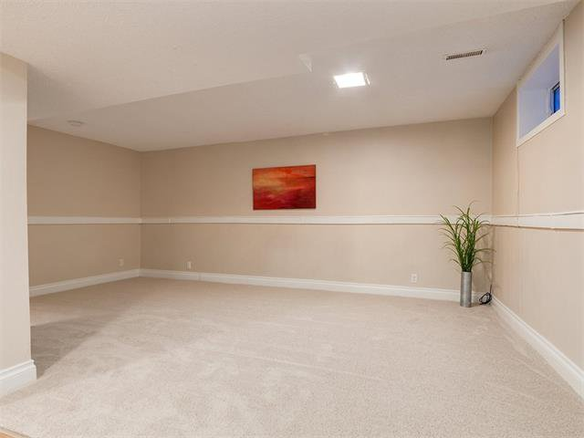 Photo 26: Photos: 453 29 Avenue NW in Calgary: Mount Pleasant House for sale : MLS®# C4091200