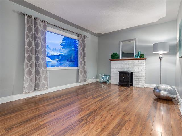 Photo 8: Photos: 453 29 Avenue NW in Calgary: Mount Pleasant House for sale : MLS®# C4091200