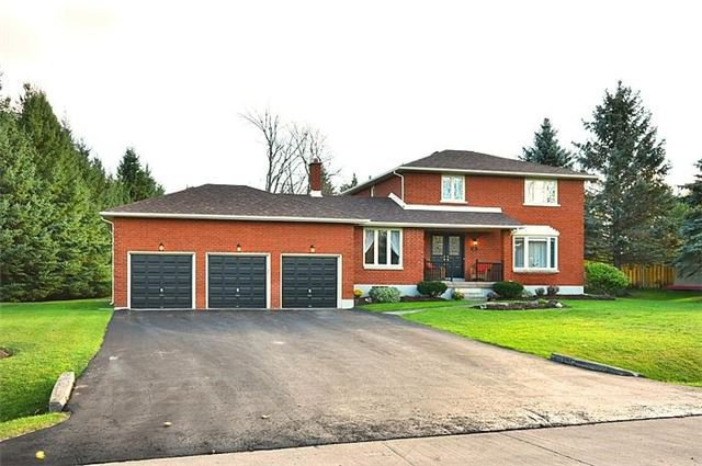 Main Photo: 15 Beechnut Street in Mono: Rural Mono House (2-Storey) for sale : MLS®# X3699663