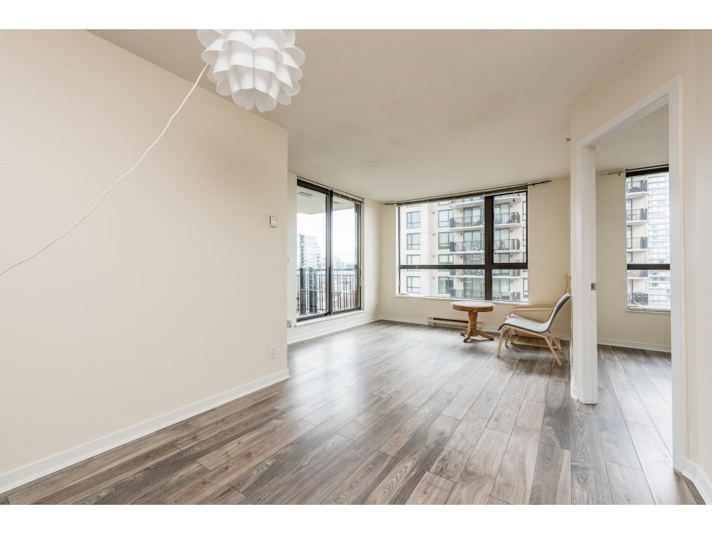 "Photo 3: Photos: 605 814 ROYAL Avenue in New Westminster: Downtown NW Condo for sale in ""THE NEWS"" : MLS®# R2156510"
