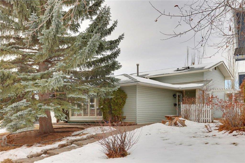 Main Photo: 51 MIDGLEN Road SE in Calgary: Midnapore House for sale : MLS®# C4119988