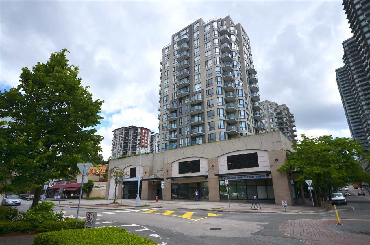 "Main Photo: 706 55 TENTH Street in New Westminster: Downtown NW Condo for sale in ""WESTMINSTER TOWNERS"" : MLS®# R2181157"