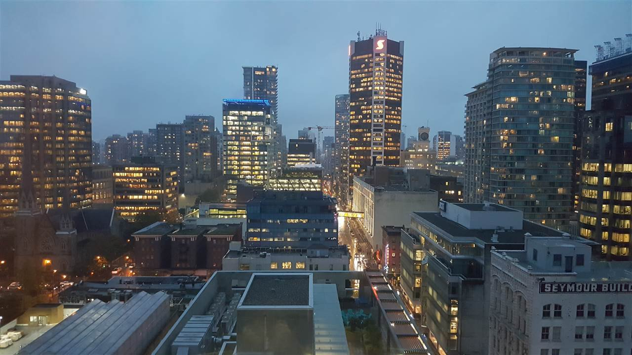 "Main Photo: 2301 438 SEYMOUR Street in Vancouver: Downtown VW Condo for sale in ""CONFERENCE PLAZA"" (Vancouver West)  : MLS®# R2221211"
