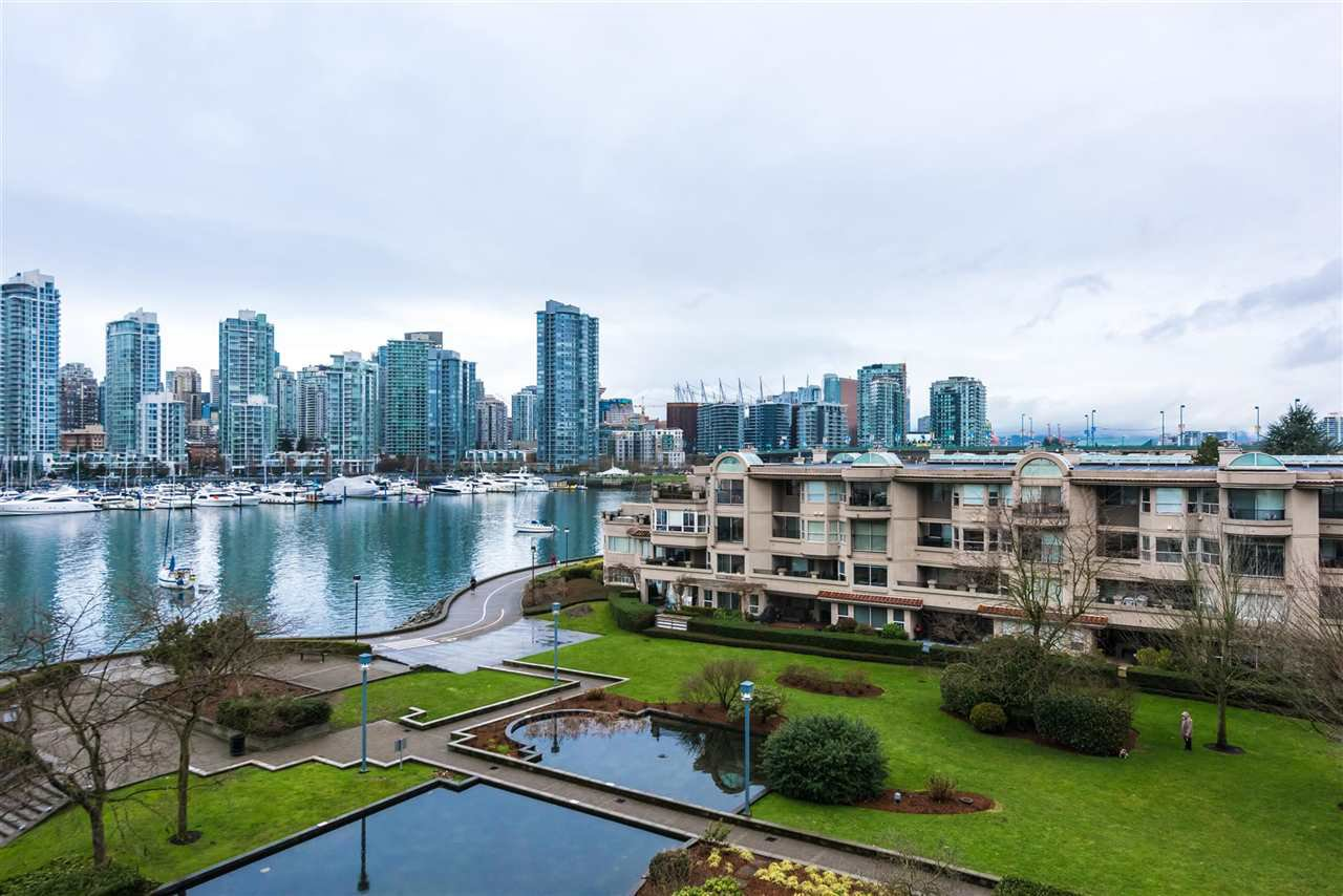 "Main Photo: 514 456 MOBERLY Road in Vancouver: False Creek Condo for sale in ""PACIFIC COVE"" (Vancouver West)  : MLS®# R2236509"