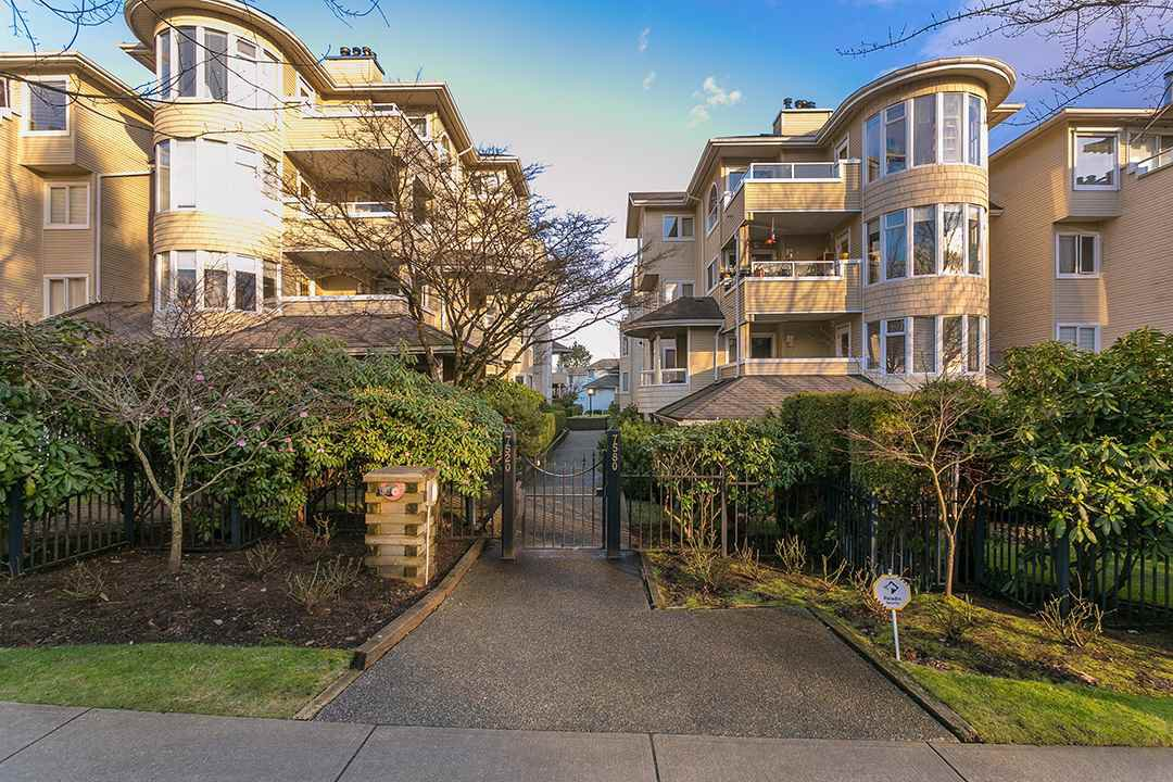 """Main Photo: 107 7520 COLUMBIA Street in Vancouver: Marpole Condo for sale in """"THE SPRINGS AT LANGARA"""" (Vancouver West)  : MLS®# R2238946"""