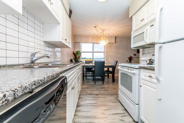 """Photo 7: Photos: 202 2211 CLEARBROOK Road in Abbotsford: Abbotsford West Condo for sale in """"Glenwood Manor"""" : MLS®# R2242962"""