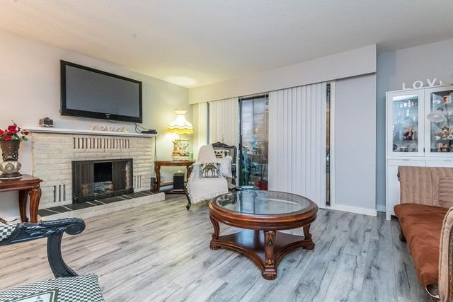 """Photo 2: Photos: 202 2211 CLEARBROOK Road in Abbotsford: Abbotsford West Condo for sale in """"Glenwood Manor"""" : MLS®# R2242962"""
