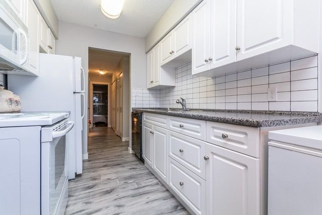 """Photo 5: Photos: 202 2211 CLEARBROOK Road in Abbotsford: Abbotsford West Condo for sale in """"Glenwood Manor"""" : MLS®# R2242962"""