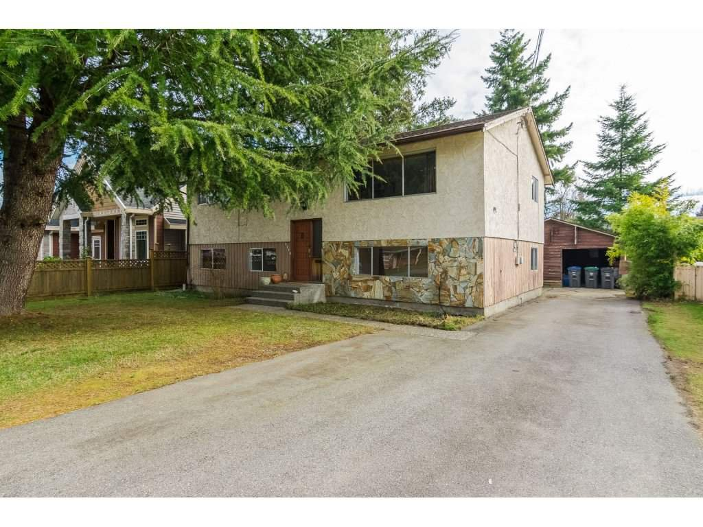 "Main Photo: 9718 153A Street in Surrey: Guildford House for sale in ""Guildford"" (North Surrey)  : MLS®# R2244918"