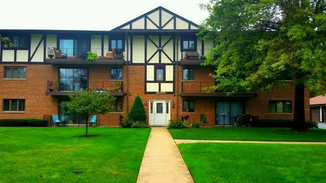 Main Photo: 11005 84th Avenue Unit 1A: Palos Hills Condo, Co-op, Townhome for sale ()  : MLS®# MRD10079903