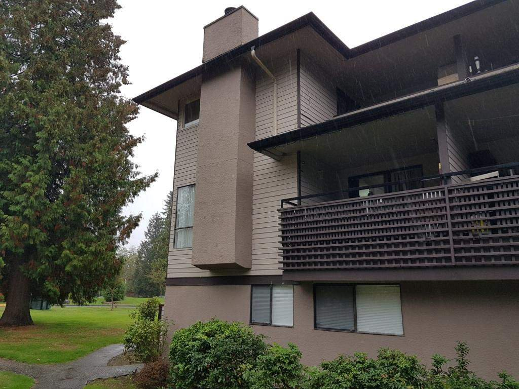 """Photo 8: Photos: 14836 HOLLY PARK Lane in Surrey: Guildford Townhouse for sale in """"Holly Park Lane"""" (North Surrey)  : MLS®# R2307430"""
