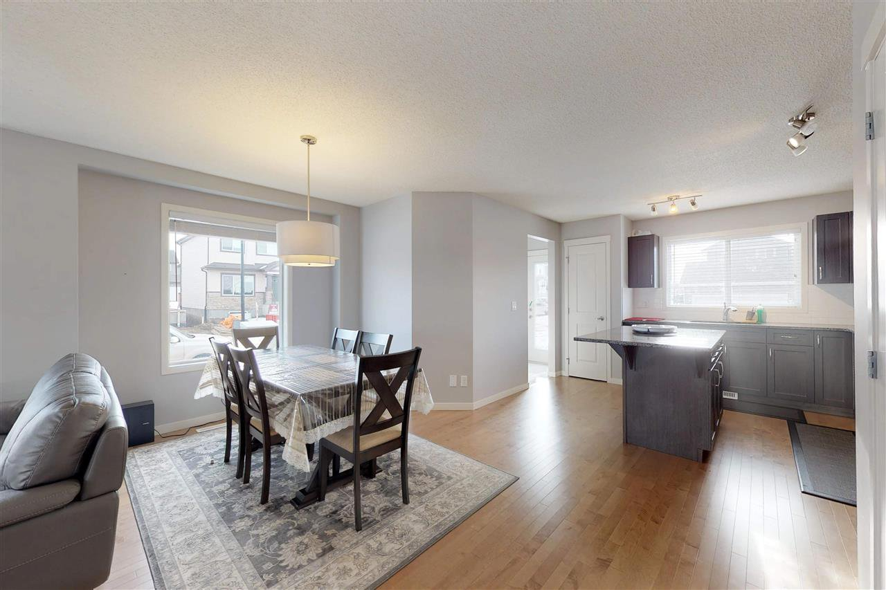 Photo 11: Photos: 5203 20 Ave in Edmonton: Zone 53 House Half Duplex for sale : MLS®# E4136572