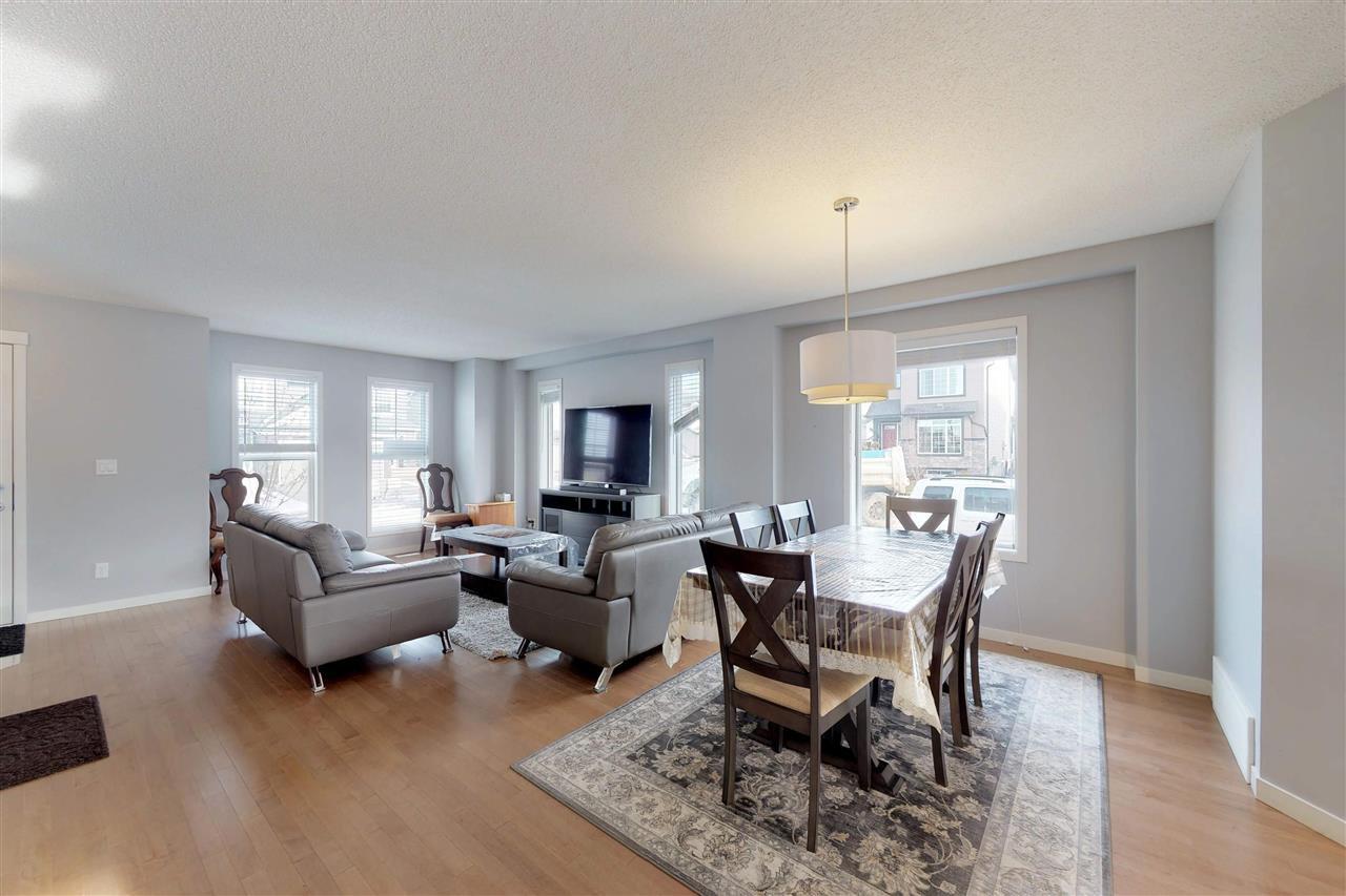 Photo 3: Photos: 5203 20 Ave in Edmonton: Zone 53 House Half Duplex for sale : MLS®# E4136572