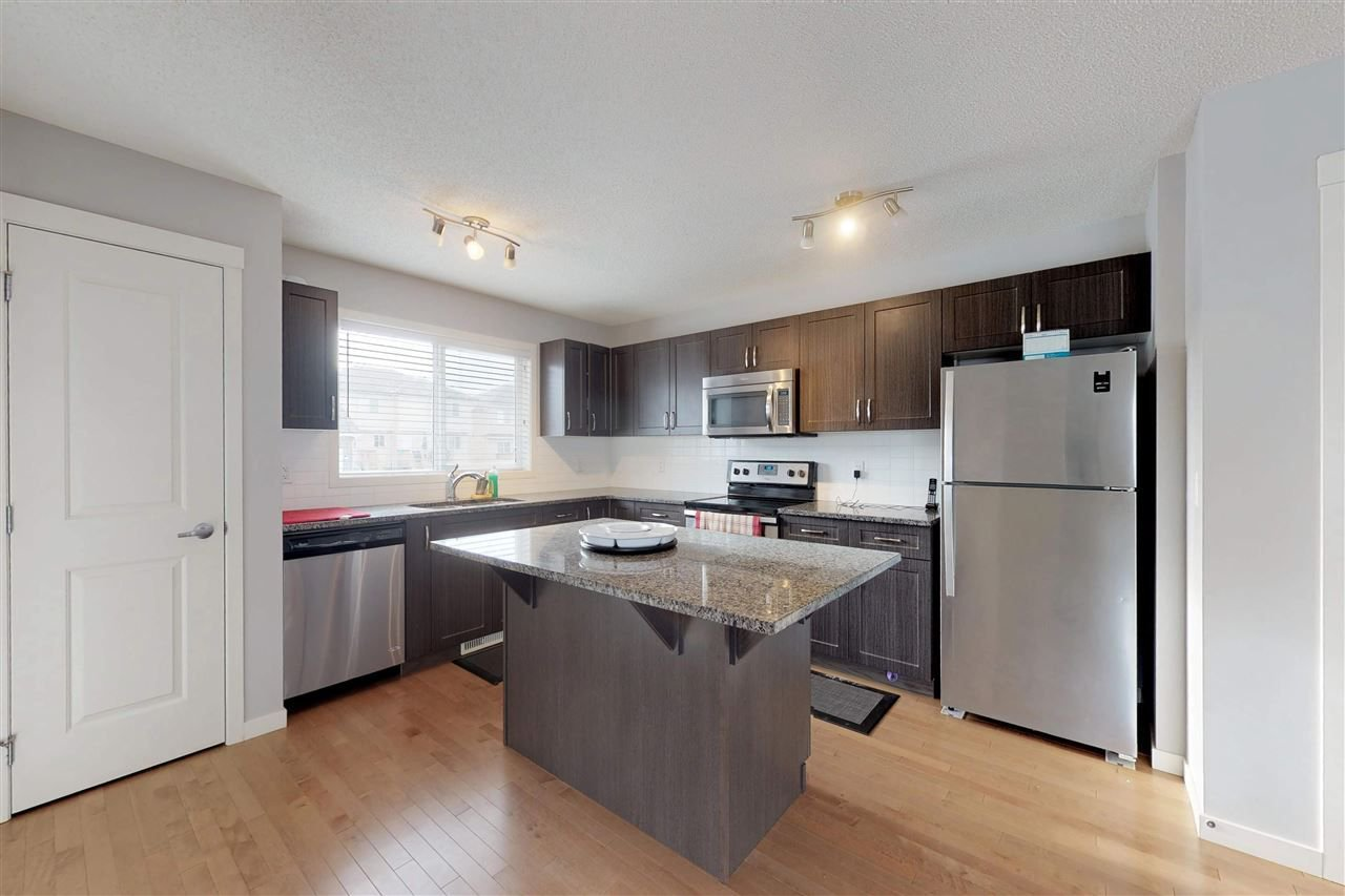Photo 10: Photos: 5203 20 Ave in Edmonton: Zone 53 House Half Duplex for sale : MLS®# E4136572