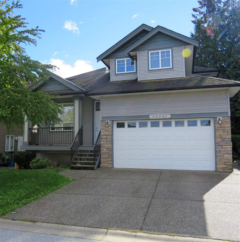 """Main Photo: 46230 KERMODE Crescent in Sardis: Promontory House for sale in """"Bear Creek"""" : MLS®# R2354820"""