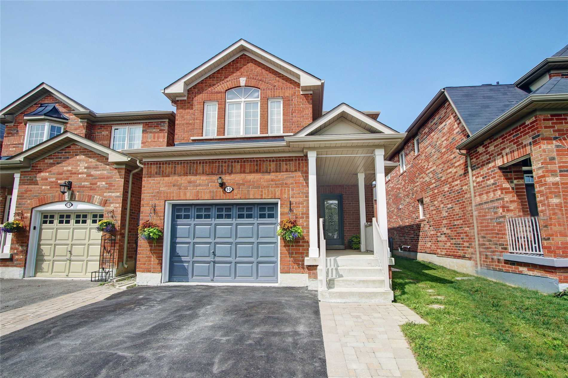 Main Photo: 10 Coronet Street in Whitchurch-Stouffville: Stouffville House (2-Storey) for sale : MLS®# N4531511