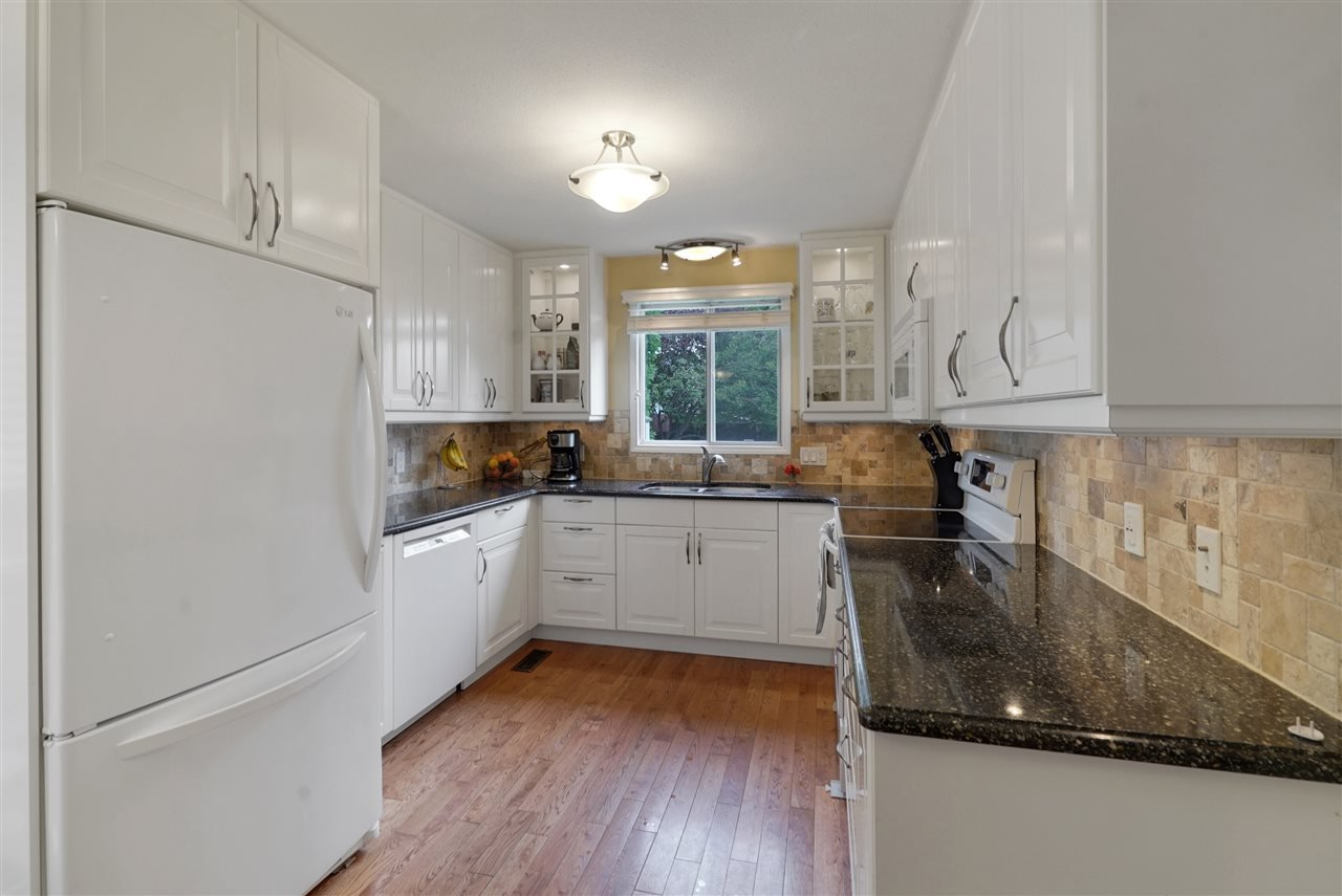 Main Photo: 5204 38A Avenue in Edmonton: Zone 29 House for sale : MLS®# E4213667