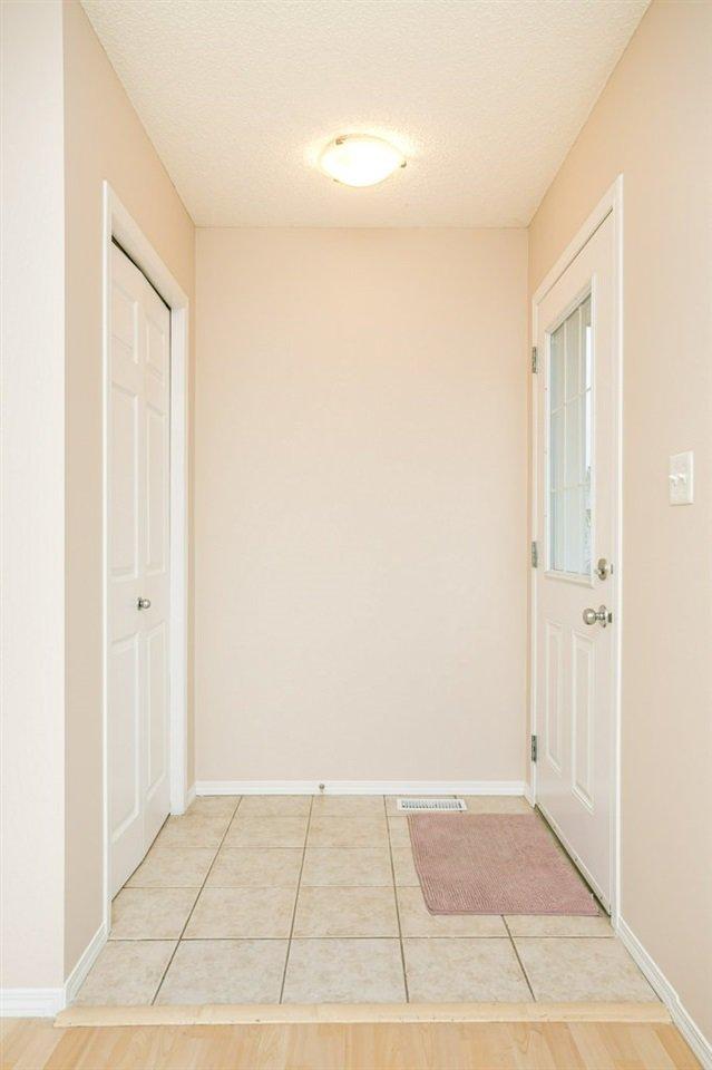 Photo 3: Photos: 84 2503 24 Street in Edmonton: Zone 30 House Half Duplex for sale : MLS®# E4220474
