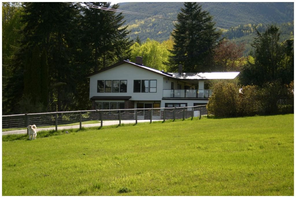 Main Photo: 4681 Northwest 50 Street in Salmon Arm: NW Salmon Arm House for sale (Shuswap/Revelstoke)  : MLS®# 10064404