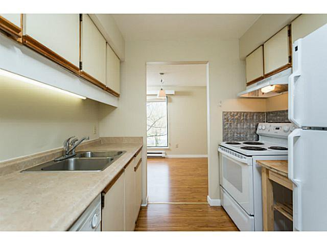 """Main Photo: 303 340 GINGER Drive in New Westminster: Fraserview NW Condo for sale in """"FRASER MEWS"""" : MLS®# V1057006"""