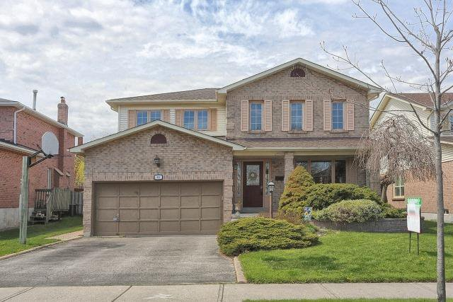 Main Photo: 93 Chipperfield Crest in Whitby: Pringle Creek House (2-Storey) for sale : MLS®# E3492544