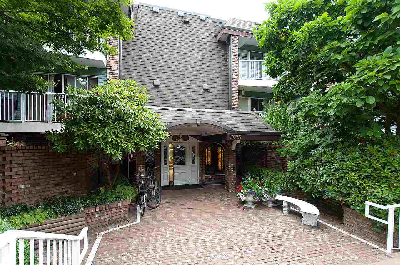 "Main Photo: 321 3875 W 4TH Avenue in Vancouver: Point Grey Condo for sale in ""LANDMARK JERICHO"" (Vancouver West)  : MLS®# R2091578"