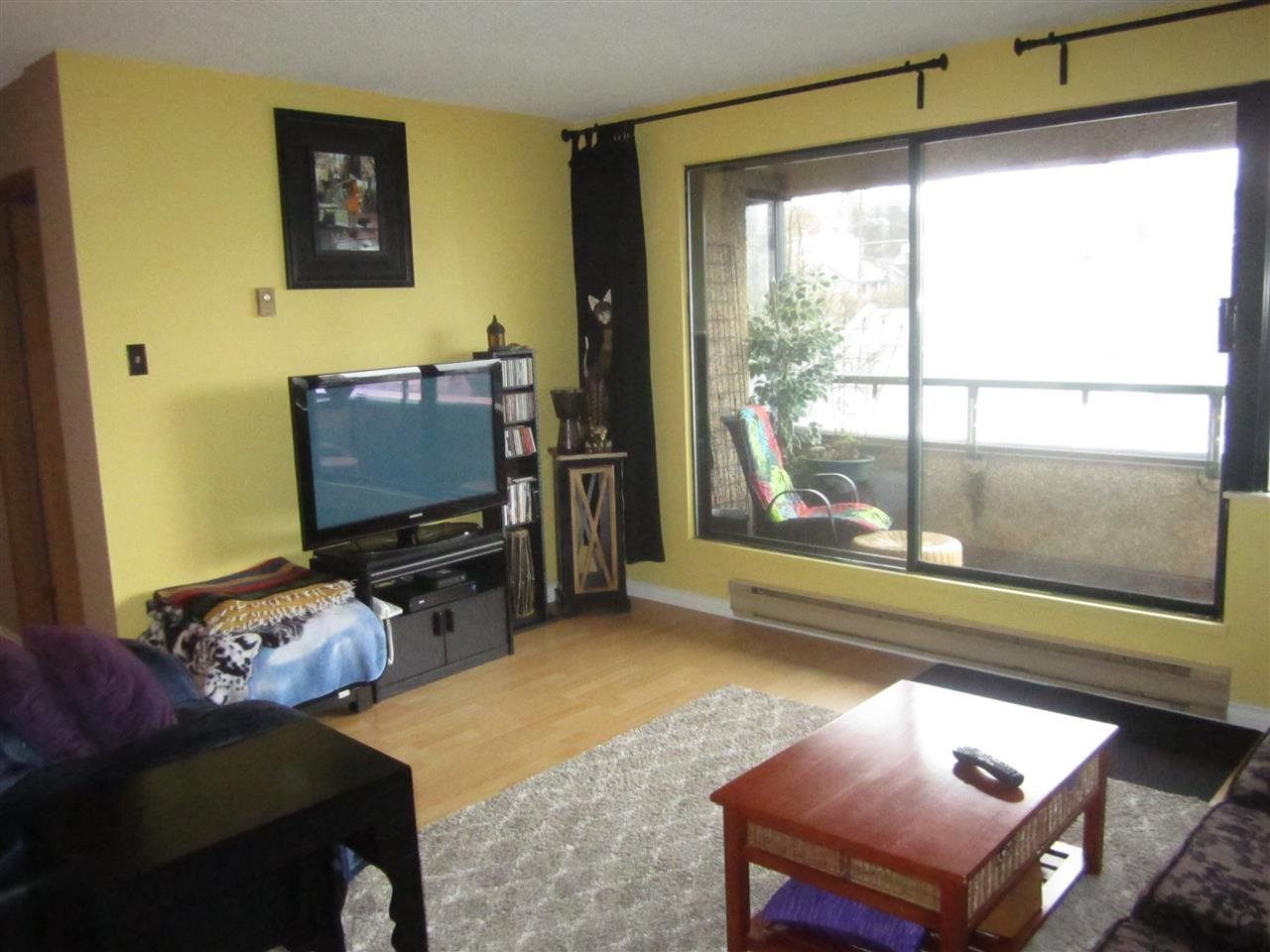 "Photo 7: Photos: 704 1026 QUEENS Avenue in New Westminster: Uptown NW Condo for sale in ""AMARA TERRACE"" : MLS®# R2153240"
