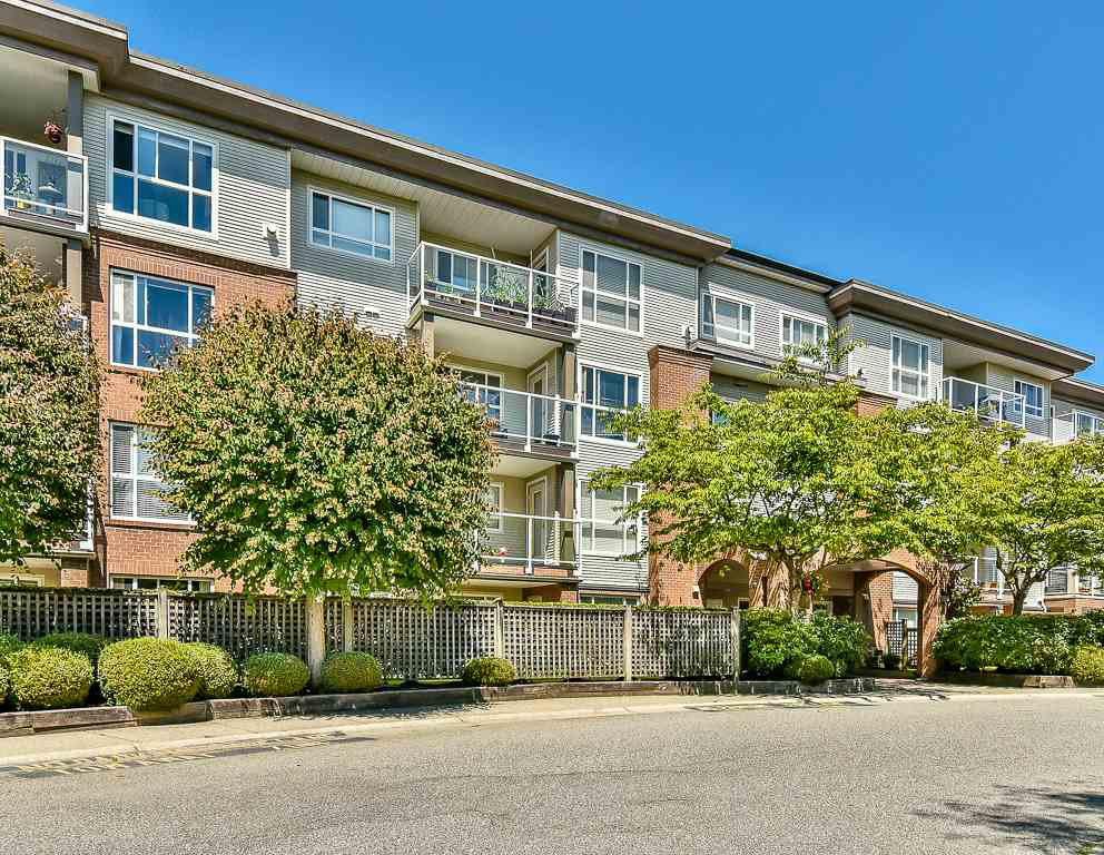 Main Photo: 205 15885 84 Avenue in Surrey: Fleetwood Tynehead Condo for sale : MLS®# R2183904