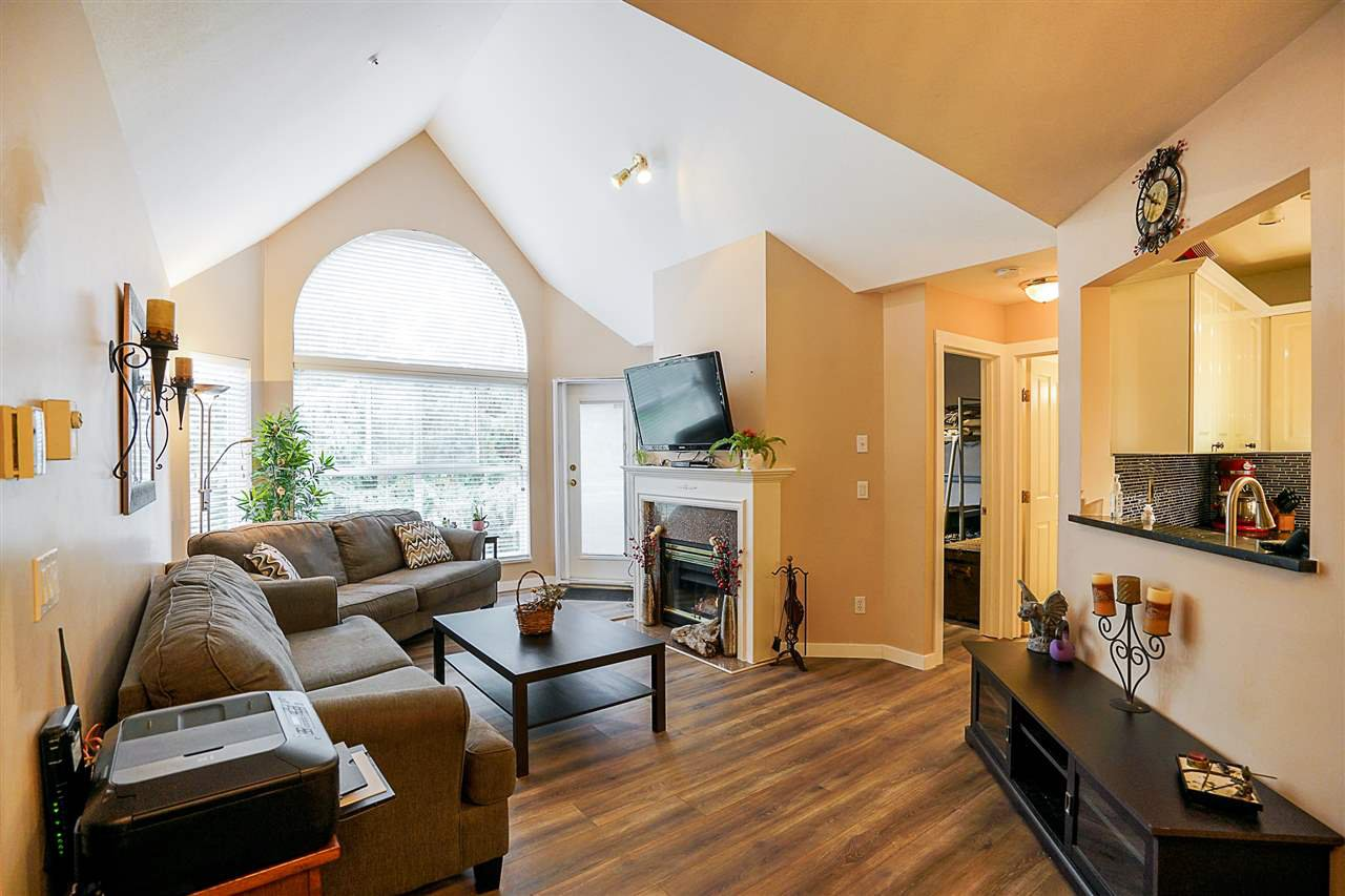 """Main Photo: 409 7435 121A Street in Surrey: West Newton Condo for sale in """"STRAWBERRY HILLS"""" : MLS®# R2215560"""