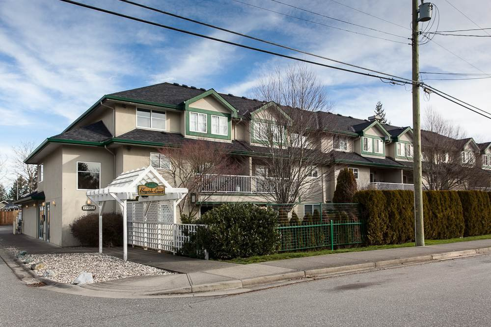 """Main Photo: 210 19953 55A Avenue in Langley: Langley City Condo for sale in """"Bayside Court"""" : MLS®# R2245615"""
