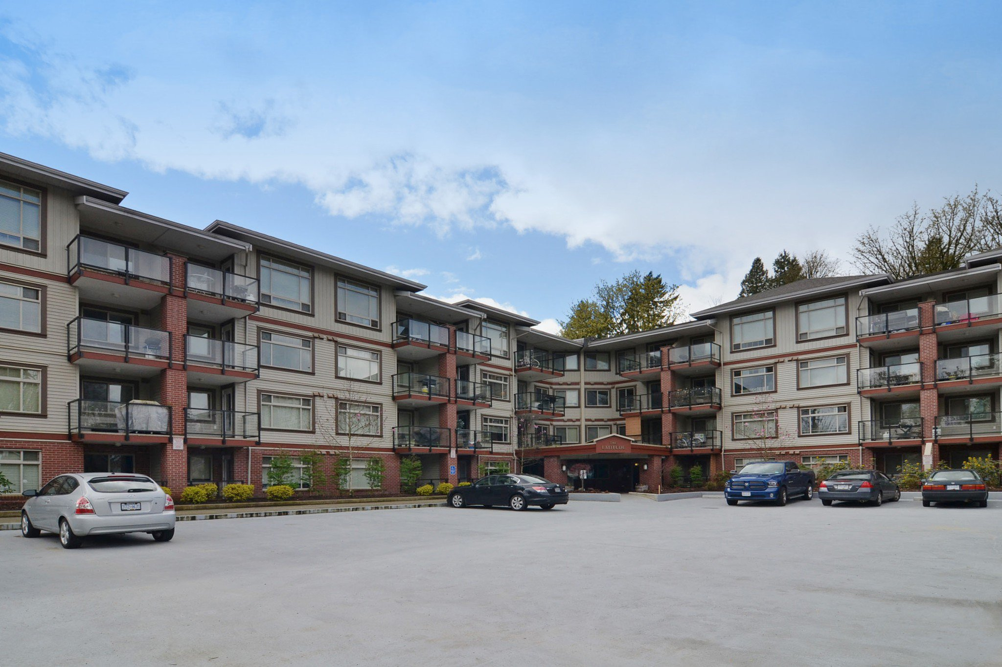 "Main Photo: 422 2233 MCKENZIE Road in Abbotsford: Central Abbotsford Condo for sale in ""LATITUDE"" : MLS®# R2263352"