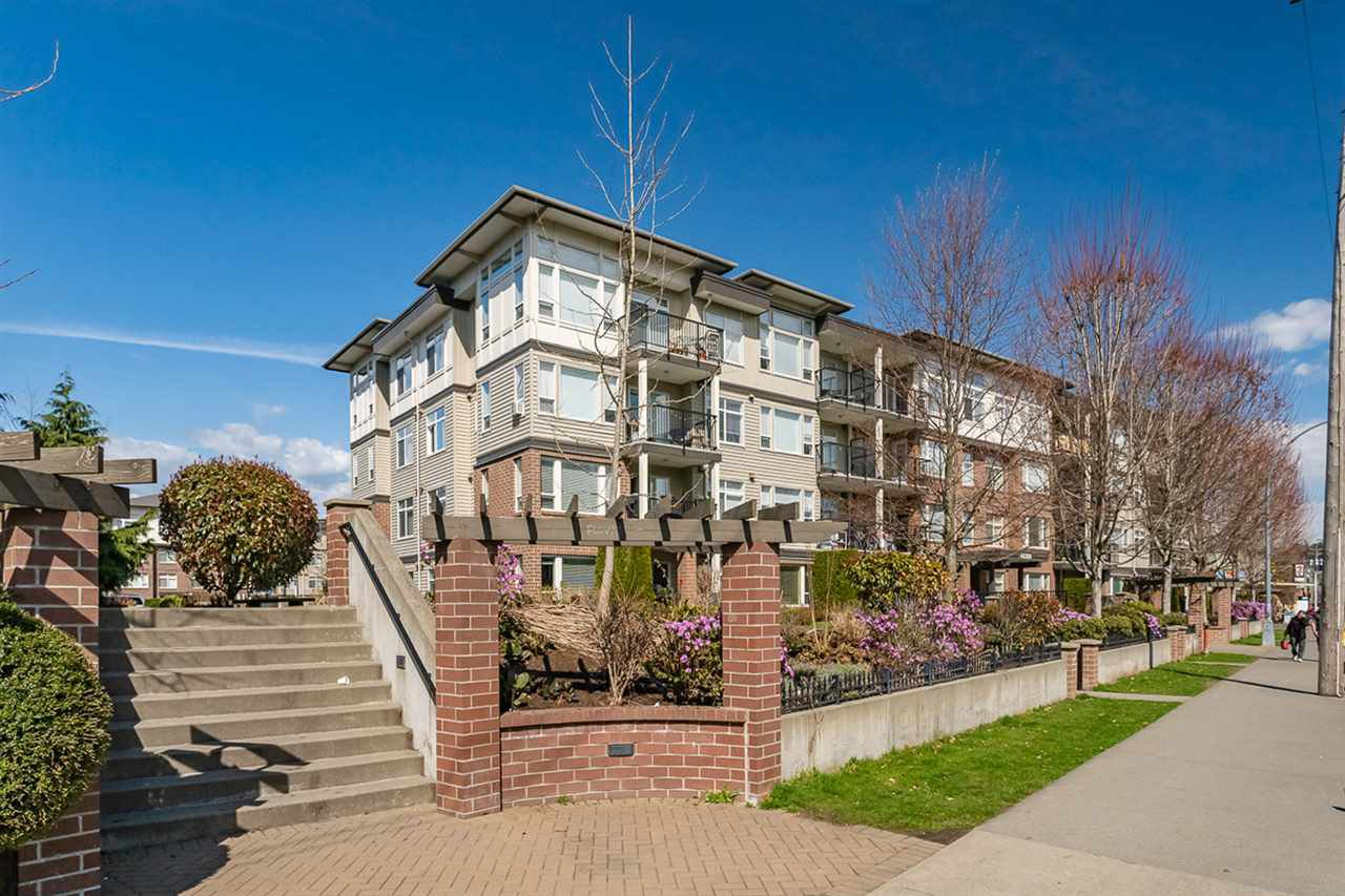 """Main Photo: 416 46289 YALE Road in Chilliwack: Chilliwack E Young-Yale Condo for sale in """"Newmark"""" : MLS®# R2353572"""