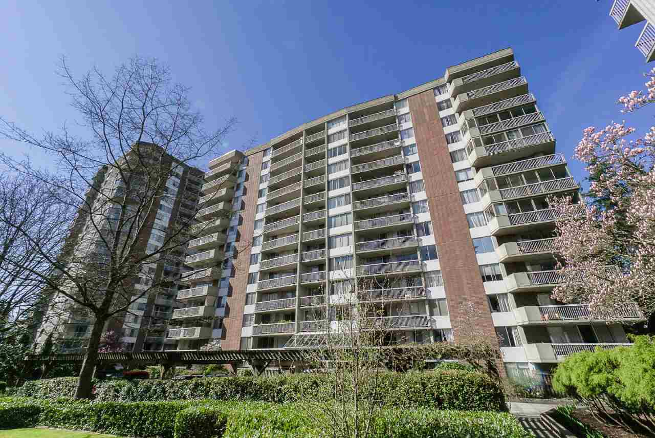 "Main Photo: 206 2020 FULLERTON Avenue in North Vancouver: Pemberton NV Condo for sale in ""HollyBurn"" : MLS®# R2379444"