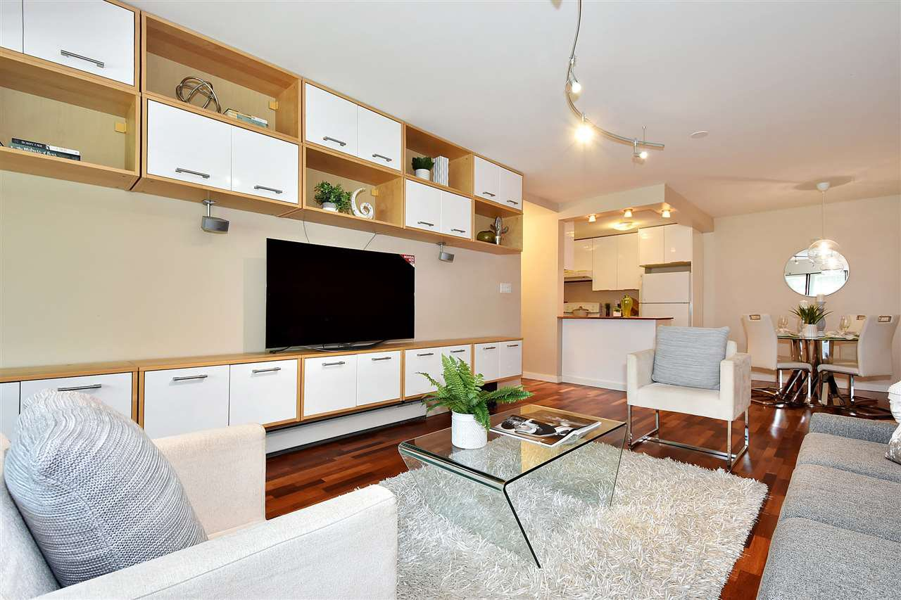 "Main Photo: 106 3451 SPRINGFIELD Drive in Richmond: Steveston North Condo for sale in ""ADMIRAL COURT"" : MLS®# R2383223"