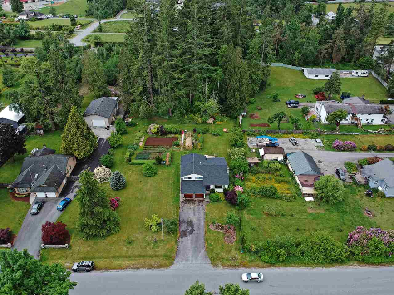 Main Photo: 8545 HARMS Street in Mission: Mission BC House for sale : MLS®# R2460738