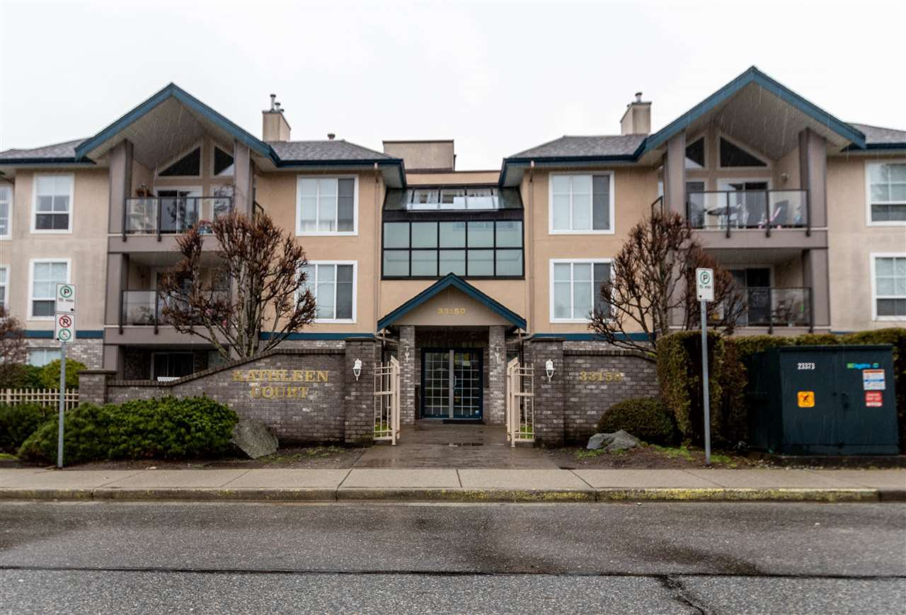 Main Photo: 206 33150 4TH AVENUE in Mission: Mission BC Condo for sale : MLS®# R2437842