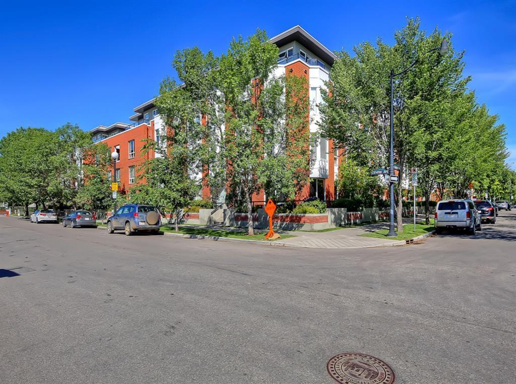 Main Photo: 402 830 CENTRE Avenue NE in Calgary: Bridgeland/Riverside Apartment for sale : MLS®# A1022914