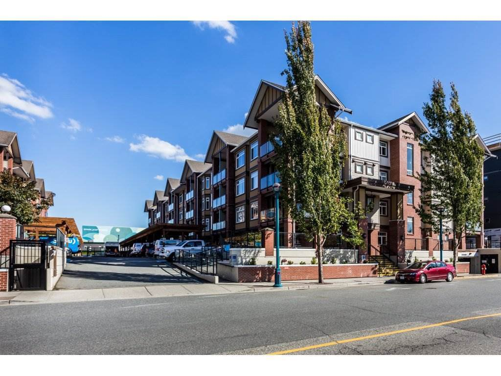 """Main Photo: 315 5650 201A Street in Langley: Langley City Condo for sale in """"PADDINGTON STATION"""" : MLS®# R2509283"""