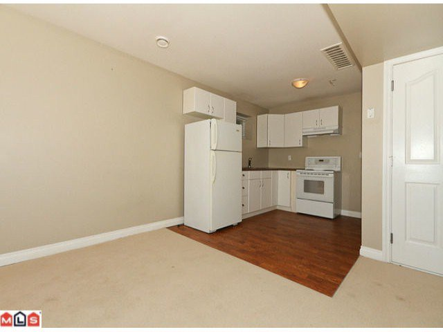 """Photo 9: Photos: 6819 192ND Street in Surrey: Clayton House for sale in """"CLAYTON"""" (Cloverdale)  : MLS®# F1105634"""