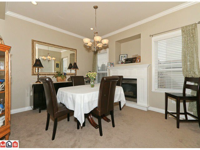 """Photo 3: Photos: 6819 192ND Street in Surrey: Clayton House for sale in """"CLAYTON"""" (Cloverdale)  : MLS®# F1105634"""