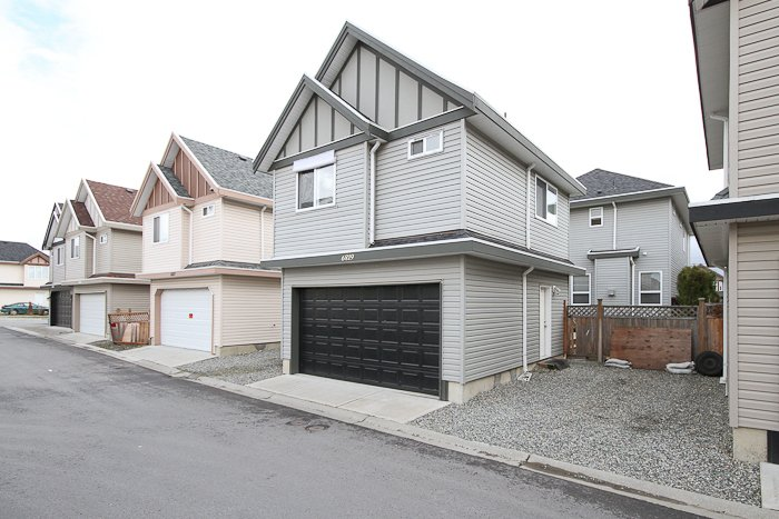 """Photo 17: Photos: 6819 192ND Street in Surrey: Clayton House for sale in """"CLAYTON"""" (Cloverdale)  : MLS®# F1105634"""