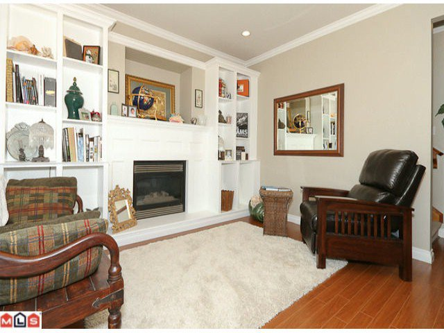 """Photo 2: Photos: 6819 192ND Street in Surrey: Clayton House for sale in """"CLAYTON"""" (Cloverdale)  : MLS®# F1105634"""