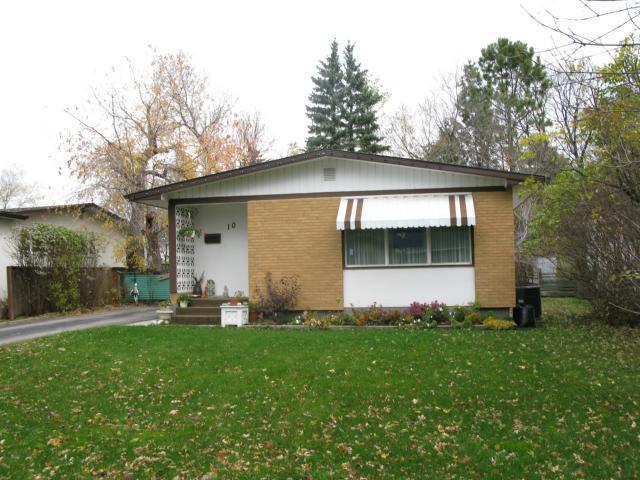 Main Photo: 10 TAMWORTH Bay in WINNIPEG: Fort Garry / Whyte Ridge / St Norbert Residential for sale (South Winnipeg)  : MLS®# 1104502